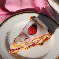 8fef0-raspberryalmondyoghurtcake1