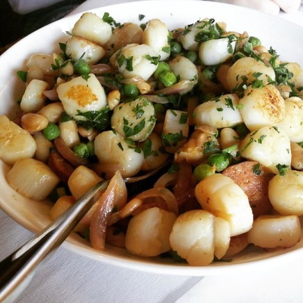 Chirozo and scallop salad